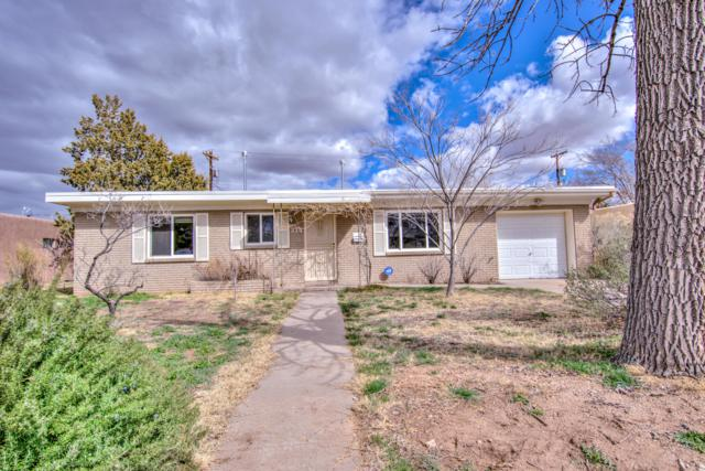 214 Morningside Drive NE, Albuquerque, NM 87108 (MLS #939678) :: The Bigelow Team / Realty One of New Mexico