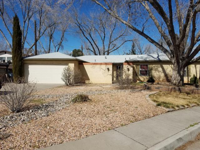 6805 Kentucky Court NE, Albuquerque, NM 87110 (MLS #939692) :: Campbell & Campbell Real Estate Services