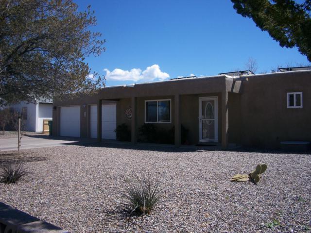 304 Cerro De Ortega Drive SE, Rio Rancho, NM 87124 (MLS #939742) :: Campbell & Campbell Real Estate Services