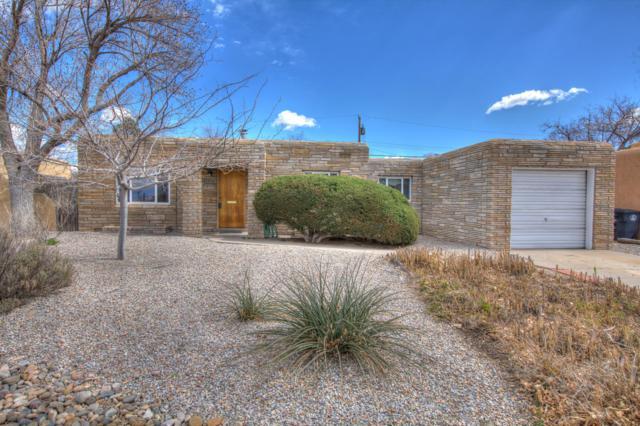 1712 Richmond Drive NE, Albuquerque, NM 87106 (MLS #939920) :: Silesha & Company