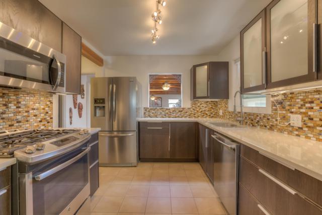 5322 10th Court NW, Albuquerque, NM 87107 (MLS #940006) :: Silesha & Company