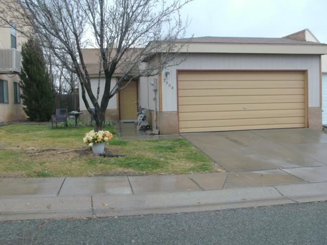7304 Canary Lane NE, Albuquerque, NM 87109 (MLS #940052) :: Silesha & Company