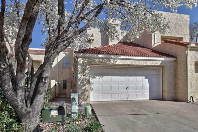 9413 Lancaster NE, Albuquerque, NM 87111 (MLS #940096) :: The Bigelow Team / Realty One of New Mexico