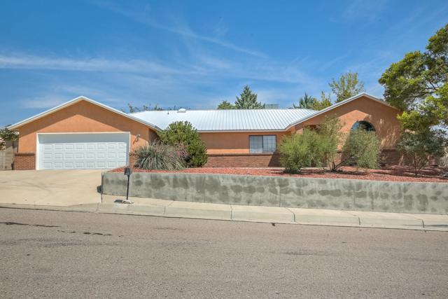 4815 Tally Ho Avenue NW, Albuquerque, NM 87114 (MLS #940188) :: Silesha & Company