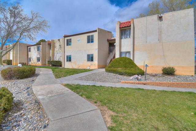 937 Country Club Drive SE Apt M, Rio Rancho, NM 87124 (MLS #940256) :: The Bigelow Team / Realty One of New Mexico