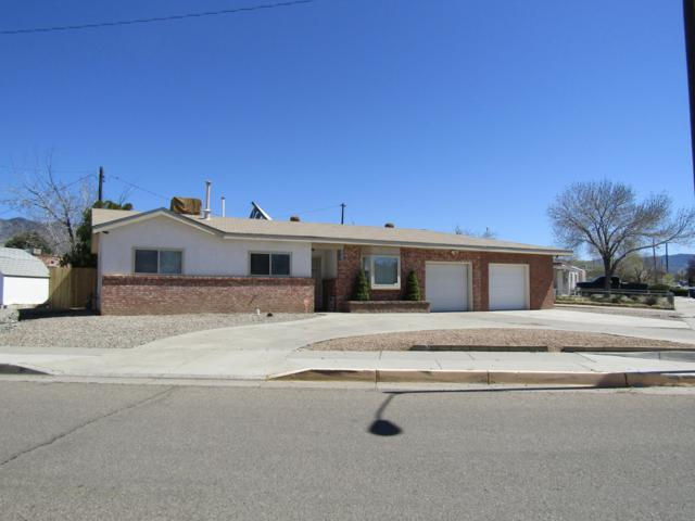 11401 Freeway Place NE, Albuquerque, NM 87123 (MLS #940298) :: The Bigelow Team / Realty One of New Mexico