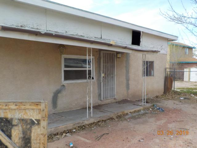 1570 Perry Road SW, Albuquerque, NM 87105 (MLS #940387) :: Silesha & Company