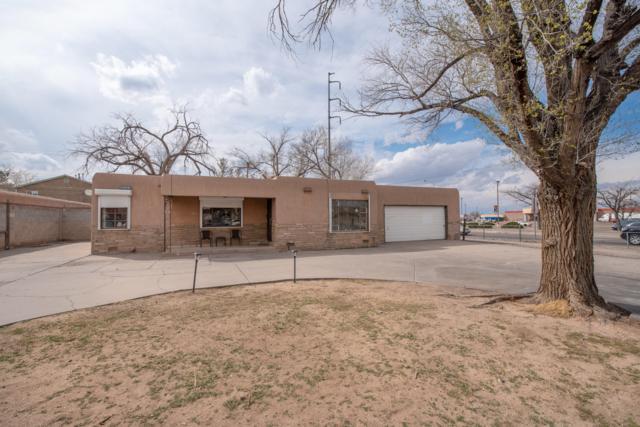 501 Madeira Drive SE, Albuquerque, NM 87108 (MLS #940576) :: Silesha & Company