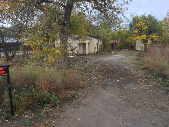 559 Jarales Road, Belen, NM 87002 (MLS #940577) :: Silesha & Company