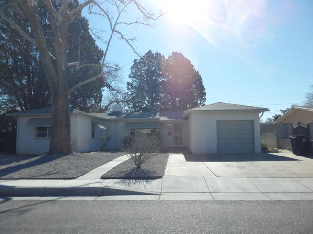 308 Montclaire Drive NE, Albuquerque, NM 87108 (MLS #940684) :: The Bigelow Team / Realty One of New Mexico