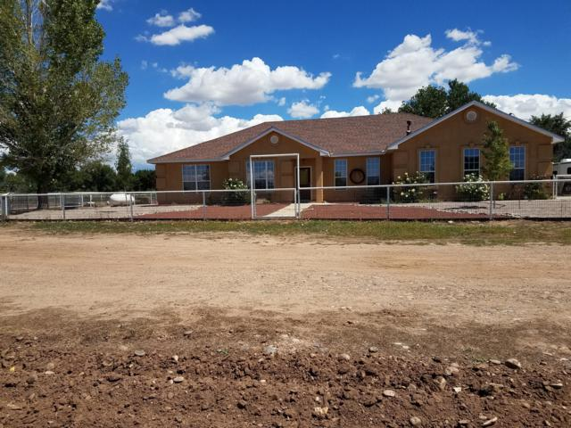 16 Jerome Road, Los Lunas, NM 87031 (MLS #940780) :: Silesha & Company