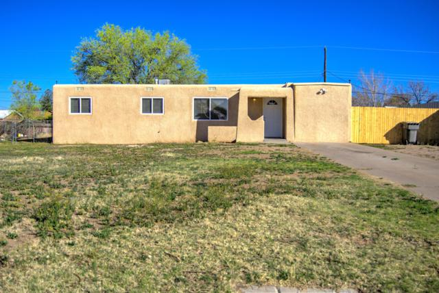 3933 Clinton Boulevard SW, Albuquerque, NM 87105 (MLS #940875) :: The Bigelow Team / Realty One of New Mexico