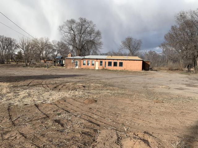 506 La Entrada, Corrales, NM 87048 (MLS #940906) :: Campbell & Campbell Real Estate Services