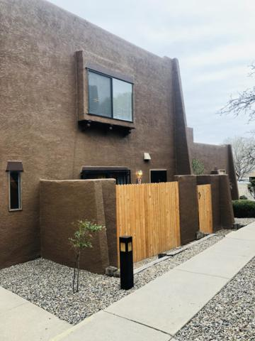 5801 Lowell Street NE 19B, Albuquerque, NM 87111 (MLS #940994) :: The Bigelow Team / Realty One of New Mexico