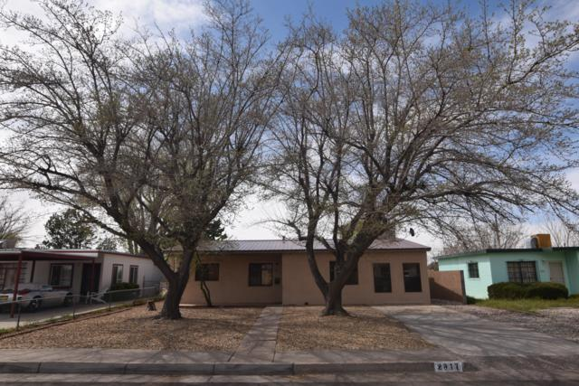 2817 Truman Street NE, Albuquerque, NM 87110 (MLS #941008) :: The Bigelow Team / Realty One of New Mexico