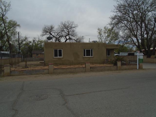 1528 Larkin Lane, Albuquerque, NM 87105 (MLS #941361) :: Silesha & Company
