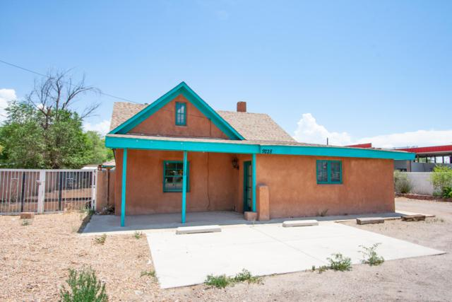 9228 4Th Street NW, Albuquerque, NM 87114 (MLS #941466) :: The Bigelow Team / Red Fox Realty