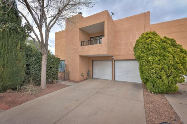 2024 Dartmouth Drive NE, Albuquerque, NM 87106 (MLS #941738) :: Silesha & Company