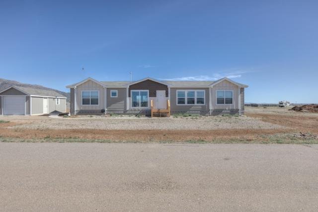 4 Cob Court, Edgewood, NM 87015 (MLS #941751) :: The Bigelow Team / Realty One of New Mexico
