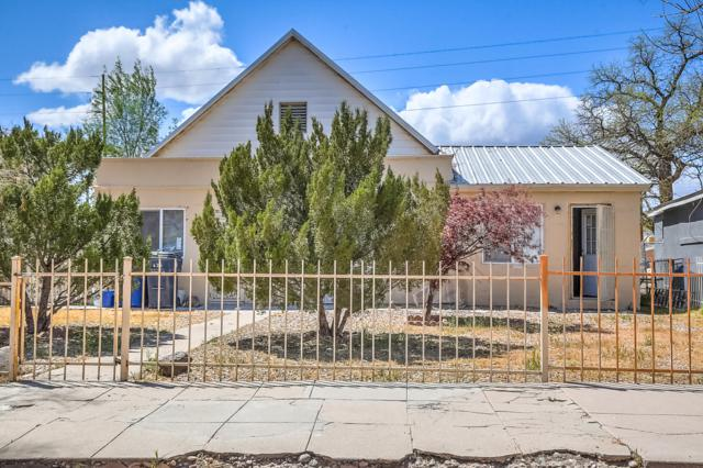 625 Arno Street SE, Albuquerque, NM 87102 (MLS #941925) :: Campbell & Campbell Real Estate Services
