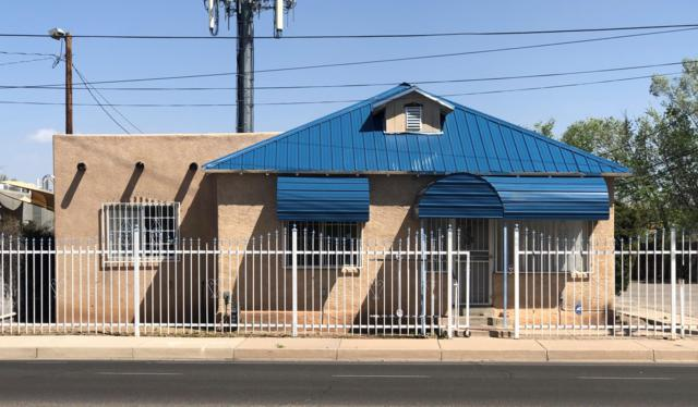 1821 Candelaria Road NW, Albuquerque, NM 87107 (MLS #942260) :: Campbell & Campbell Real Estate Services