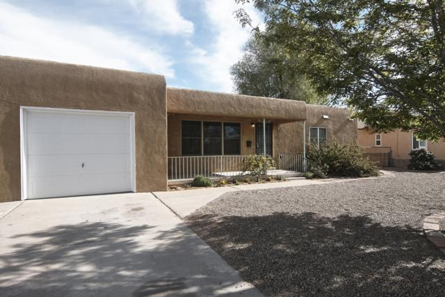 1105 Woodland Avenue NW, Albuquerque, NM 87107 (MLS #942282) :: Campbell & Campbell Real Estate Services