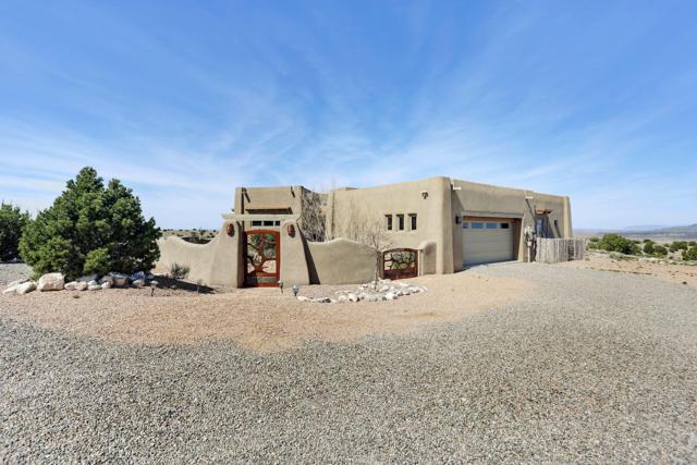 15 Tres Vidas, Placitas, NM 87043 (MLS #942294) :: Campbell & Campbell Real Estate Services