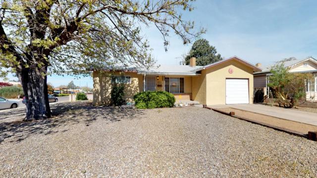2901 Madeira Drive NE, Albuquerque, NM 87110 (MLS #942328) :: Campbell & Campbell Real Estate Services