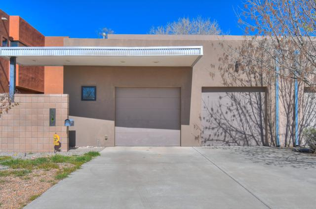 1507 San Patricio Avenue SW, Albuquerque, NM 87104 (MLS #942355) :: Silesha & Company