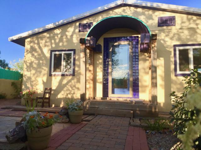 704 Elm Street, Magdalena, NM 87825 (MLS #942458) :: The Bigelow Team / Red Fox Realty
