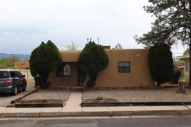 2742 Washington Street NE, Albuquerque, NM 87110 (MLS #942620) :: The Bigelow Team / Realty One of New Mexico