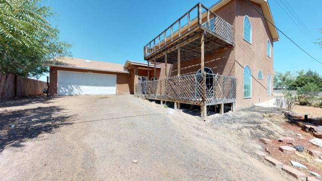 2125 Foothill Drive SW, Albuquerque, NM 87105 (MLS #942647) :: The Bigelow Team / Realty One of New Mexico