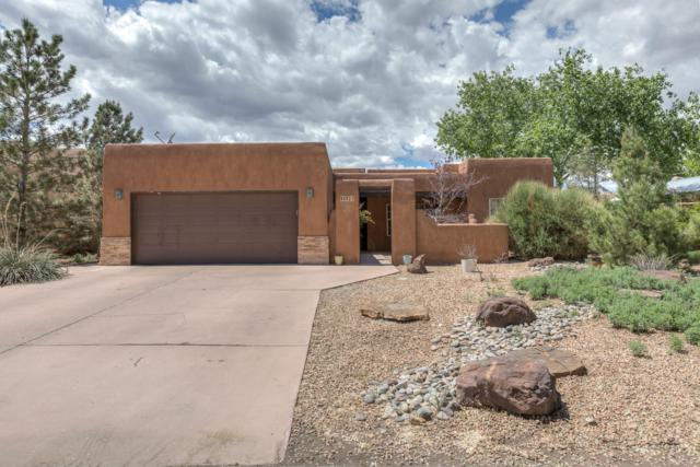 8921 Ortega Court NW, Los Ranchos, NM 87114 (MLS #943118) :: The Bigelow Team / Realty One of New Mexico