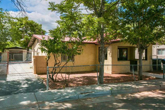 616 Lewis Avenue SW, Albuquerque, NM 87102 (MLS #944412) :: Silesha & Company
