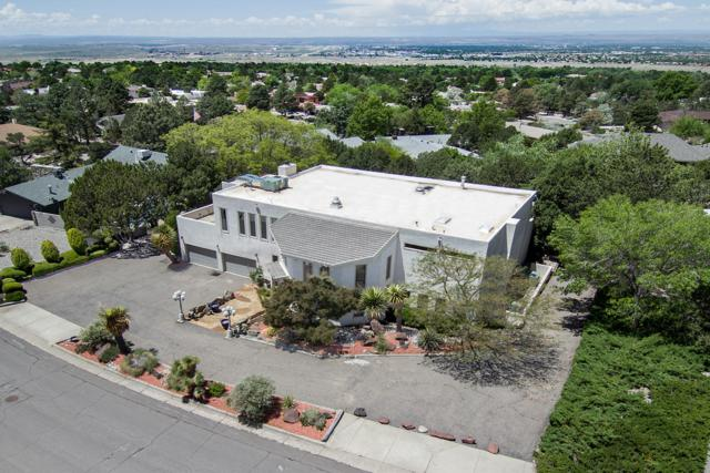 1609 La Tuna Place SE, Albuquerque, NM 87123 (MLS #944720) :: The Bigelow Team / Realty One of New Mexico