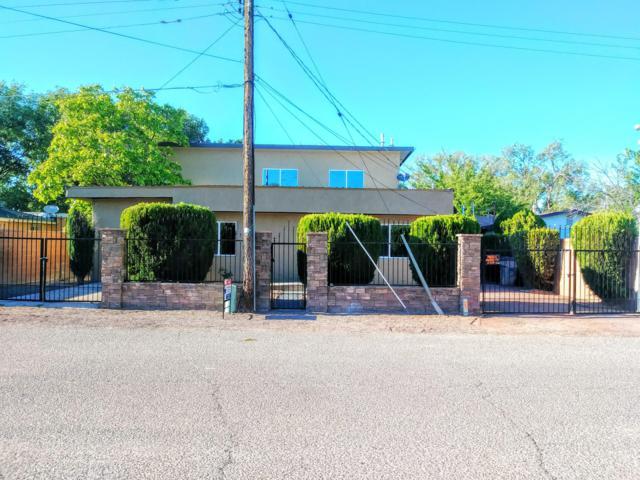 826 Arthur Road SW, Albuquerque, NM 87105 (MLS #944808) :: Silesha & Company