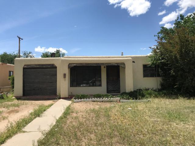 2709 Mary Ellen Street NE, Albuquerque, NM 87112 (MLS #944832) :: Silesha & Company