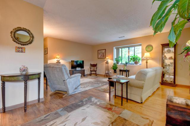 5801 Lowell Street NE Apt 29D, Albuquerque, NM 87111 (MLS #944904) :: The Bigelow Team / Realty One of New Mexico
