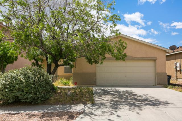 9204 Lower Meadow Avenue SW, Albuquerque, NM 87121 (MLS #945245) :: Campbell & Campbell Real Estate Services