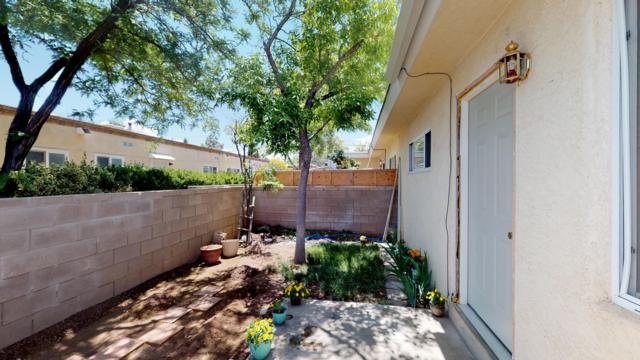 4516 Zuni Road SE, Albuquerque, NM 87108 (MLS #945250) :: Silesha & Company