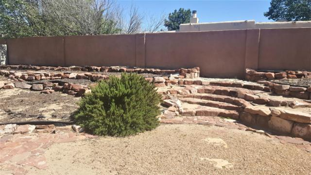 5004 College Heights Drive NW, Albuquerque, NM 87120 (MLS #945261) :: Silesha & Company