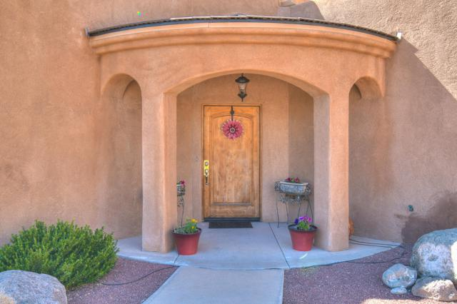 8312 Visalia Way NE, Albuquerque, NM 87122 (MLS #945392) :: The Bigelow Team / Realty One of New Mexico