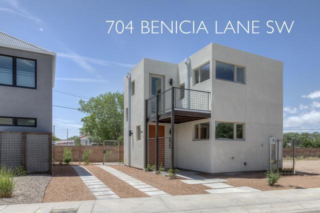 704 Benicia Lane SW, Albuquerque, NM 87102 (MLS #945416) :: Campbell & Campbell Real Estate Services