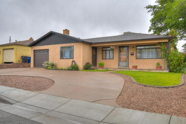 11612 Baldwin Avenue NE, Albuquerque, NM 87112 (MLS #945428) :: The Bigelow Team / Realty One of New Mexico