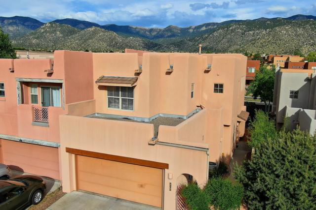 6232 Silverlace Trail NE, Albuquerque, NM 87111 (MLS #945431) :: The Bigelow Team / Realty One of New Mexico