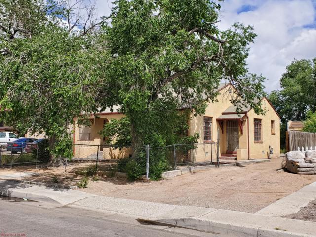 3413 Crest Avenue SE, Albuquerque, NM 87106 (MLS #946210) :: The Bigelow Team / Red Fox Realty