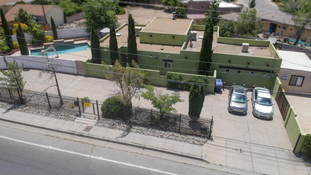 4000 Constitution Avenue NE, Albuquerque, NM 87110 (MLS #946388) :: The Bigelow Team / Red Fox Realty