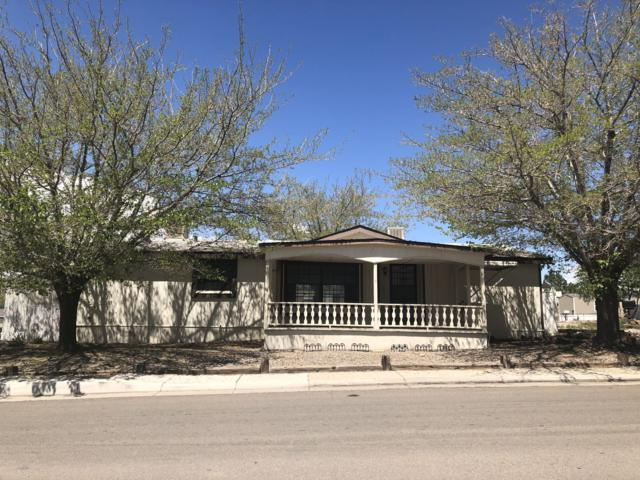 7401 Frank Place NE, Albuquerque, NM 87109 (MLS #946546) :: The Bigelow Team / Red Fox Realty