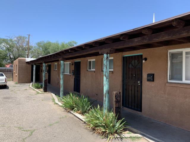 517 Cardenas Drive SE, Albuquerque, NM 87108 (MLS #947337) :: The Bigelow Team / Red Fox Realty