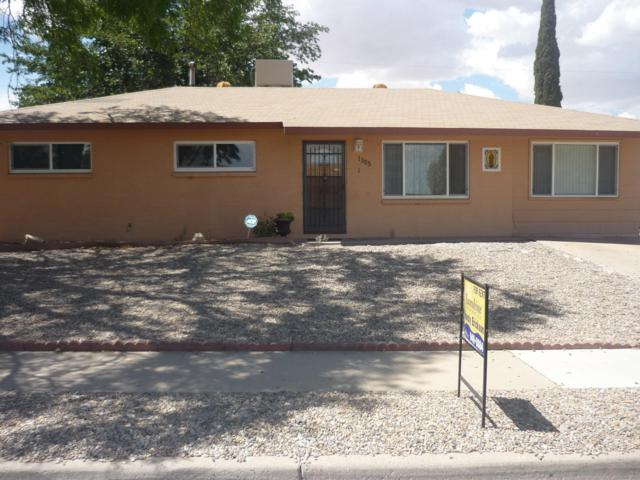 1305 Canyon Trail SW, Albuquerque, NM 87121 (MLS #947384) :: Campbell & Campbell Real Estate Services
